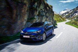 Toyota Avensis FL   Ceny w Polsce   Bez zmian