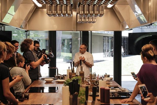 Pokaz kulinarny Michela Roux Jr