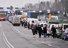 Ukraińcy przebili Niemców - na jedne zakupy w Polsce wydają więcej. Co i gdzie kupują u nas cudzoziemcy? Co jest tańsze?