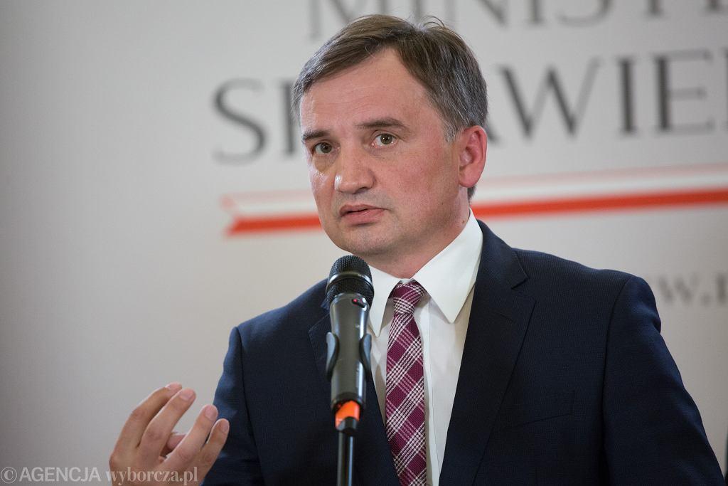 Minister sprawiedliwości w rządzie PiS Zbigniew Ziobro podczas konferencji w resorcie. Warszawa, 21 września 2020