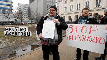 20 lutego 2017 r. Pikieta w Warszawie nieopodal ul. Nowogrodzkiej, przy skwerze, który deweloper spustoszył korzystając z uchwalonego naprędce 'lex Szyszko'