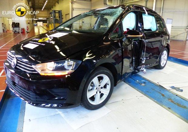 Volkswagen Golf Sportsvan - test zderzeniowy