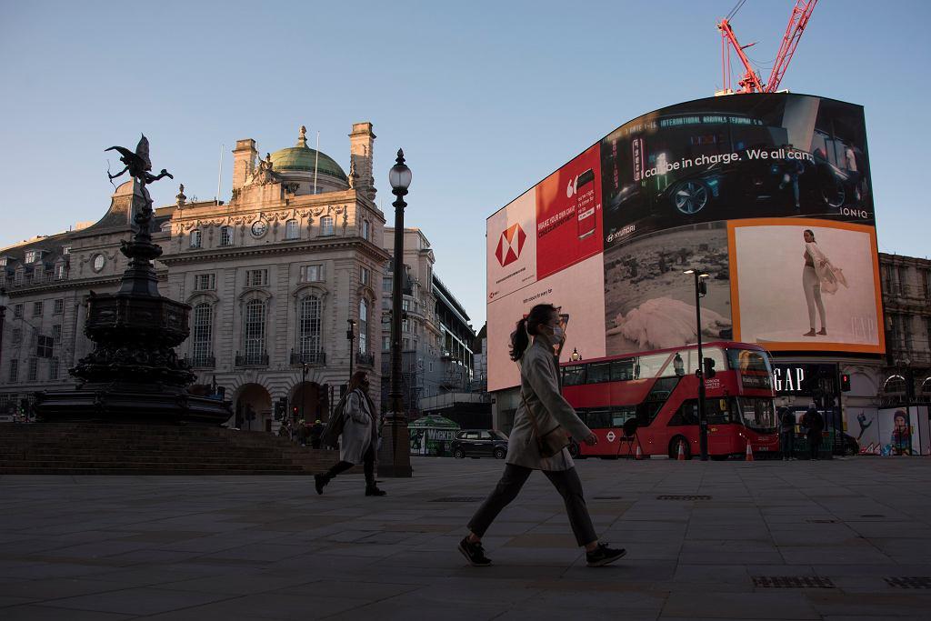 Europa radzi sobie z pandemią, przedłużając restrykcje. Na Słowacji wyjście z domu tylko z negatywnym testem (zdjęcie ilustracyjne)