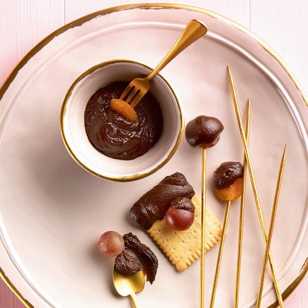 Walentynkowe fondue czekoladowe