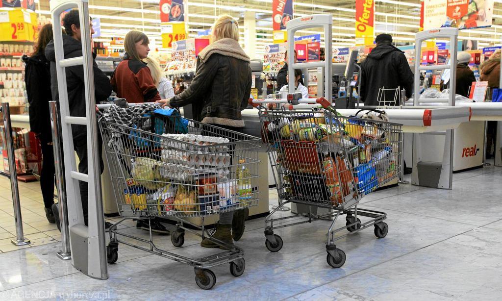 Niedziele handlowe 2019. Czy 28 kwietnia sklepy będą czynne?