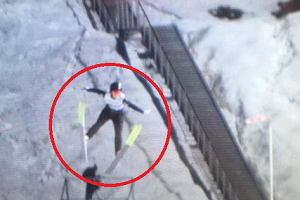 Fatalny upadek na treningu kobiet w Lillehammer! Węgierka zniesiona na noszach ze skoczni!