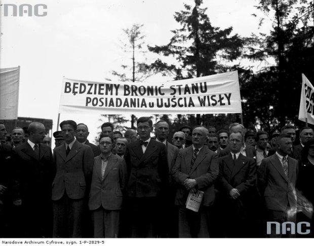 Zdjęcie numer 0 w galerii - Cała Polska protestuje przeciwko nazistom [STARE ZDJĘCIA]