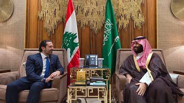 30 października, stolica Arabii Saudyjskiej. Premier Libanu Saad Hariri, który dwa tygodnie wcześniej podał się do dymisji pod presją Saudyjczyków, rozmawia z saudyjskim następcą tronu Muhammadem bin Salmanem