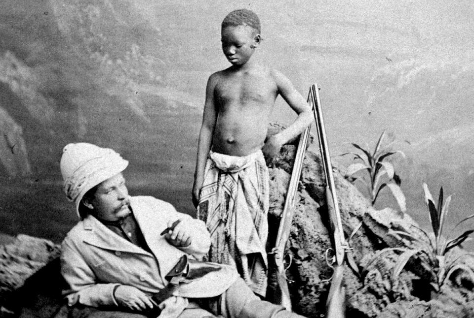 Po spotkaniu słynnego podróżnika Davida Livingstone'a, Henry Morton Stanley (na zdjęciu) uczestniczył jeszcze w kilku ekspedycjach. Po nich król Belgów Leopold II zaproponował mu potajemną kolonizację