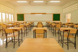 Powrót dzieci do szkół. MEN: Zajęcia zawieszone do 7 czerwca. Nowe ustalenia dla klas I-III