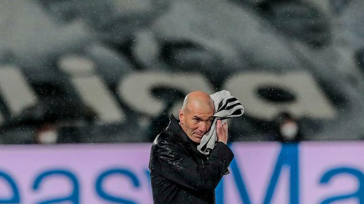 Zinedine Zidane przekazał wiadomość piłkarzom Realu Madryt: To koniec! - informuje Goal.com
