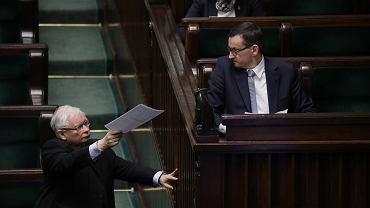 Jarosław Kaczyński oraz premier Mateusz Morawiecki podczas posiedzenia Sejmu 8 kwietnia 2020 r.