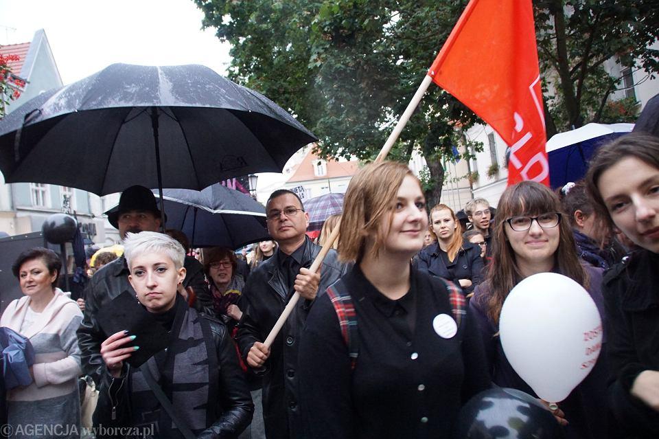 Zdjęcie numer 56 w galerii - Czarny protest w Zielonej Górze: