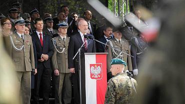 W niedzielę (21.05) w Białymstoku słowa roty przysięgi wojskowej - w obecności ministra obrony narodowej Antoniego Macierewicza - wypowiedzieli po raz pierwszy żołnierze Wojsk Obrony Terytorialnej