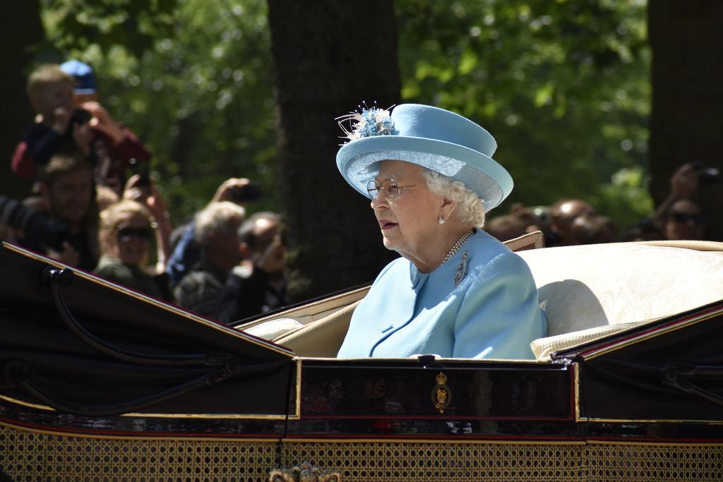 >London,,Uk-,06/09/18:,Queen,Elizabeth,Ii,Rides,To,The,Trooping