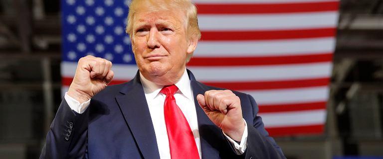 Trump kontra cztery demokratki. Tłum skandował o