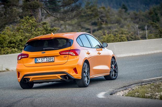 Ford Focus ST 2019, Orange Fury