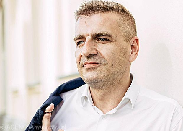 Bartosz Arłukowicz: Za moich czasów syrop dla dzieci po przeszczepach kosztował 3,20 zł. Za PiS zdrożał do 1300 zł