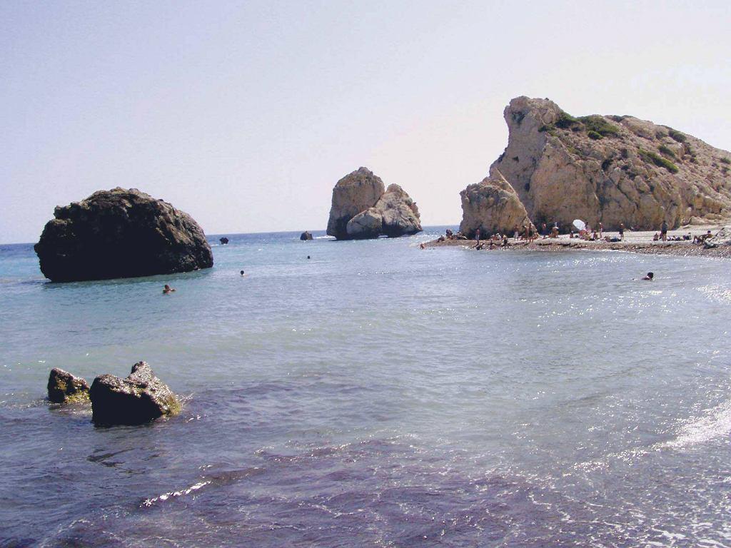 Cypr, Skała Afrodyty (pierwsza z prawej)