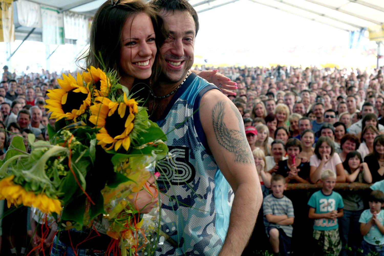 Marcin Miller z zespołu Boys na koncercie w 2007 roku (Fot. Jan Zamoyski / AG)