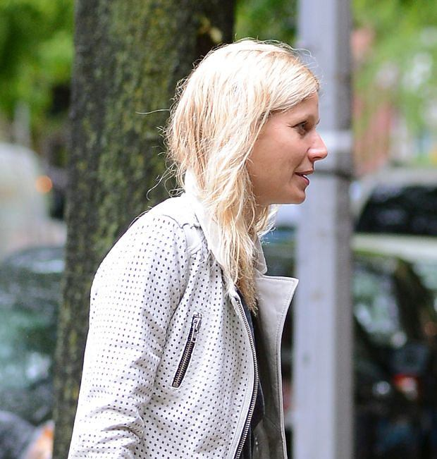 May 8, 2013: Gwyneth Paltrow pictured this morning leaving her New York city apartment and heading to a Photoshoot wearing no Make-Up Mandatory Credit: Elder Ordonez/INFphoto.com Ref: infusny-160 |sp|