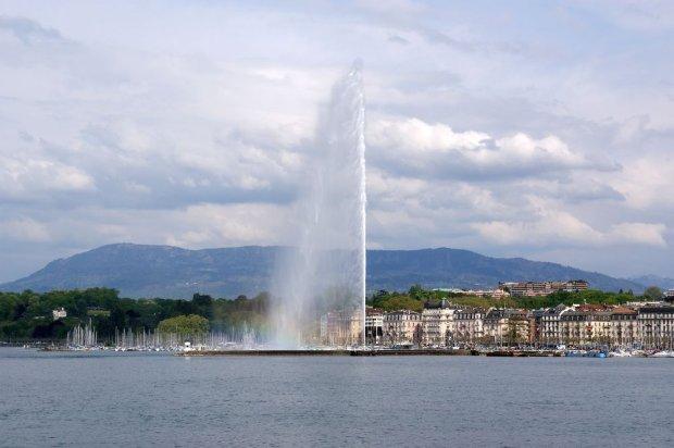 Fontanna na Jeziorze Genewskim/ Fot. Shutterstock