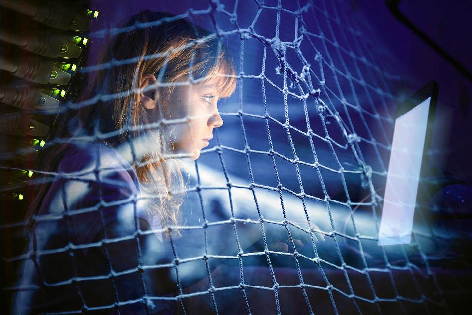 Już co trzecie brytyjskie dziecko w wieku od sześciu do dziesięciu lat regularnie pokazuje w internecie co robi w danym momencie