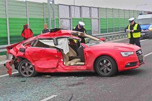 Karambol na obwodnicy Warszawy: 6 rozbitych aut, 3 osoby ranne