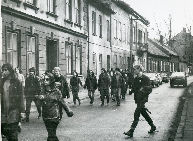 Zdjęcie numer 2 w galerii - Ponad ćwierć wieku temu do Żywca przyjechali hippisi z całej Polski [ARCHIWALNE ZDJĘCIA]
