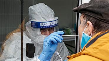 Niemieccy eksperci: opracowanie szczepionki nie będzie oznaczało automatycznego zniesienia restrykcji