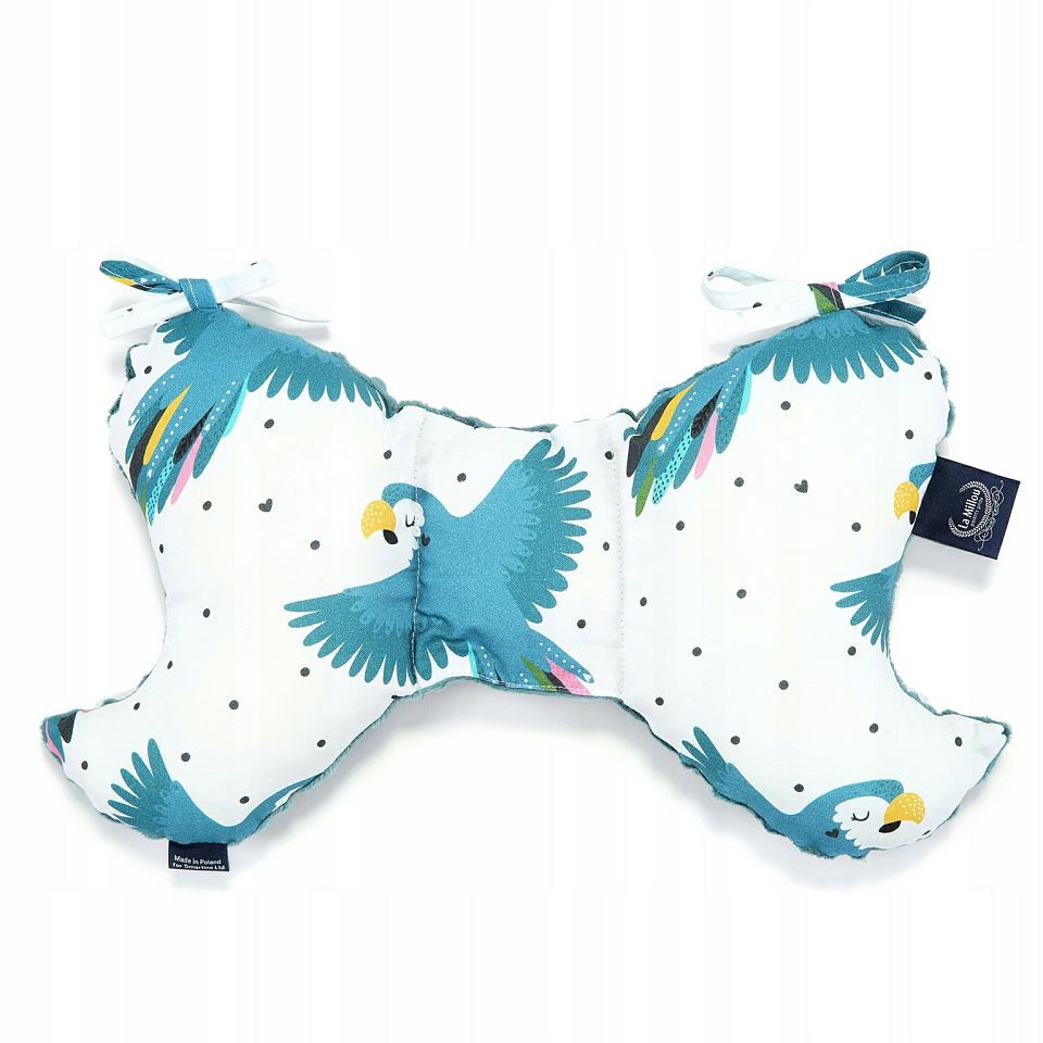 Poduszki w kształcie motyla mają unieruchamiać główkę bobasa i zapewniać jej ładny kształt