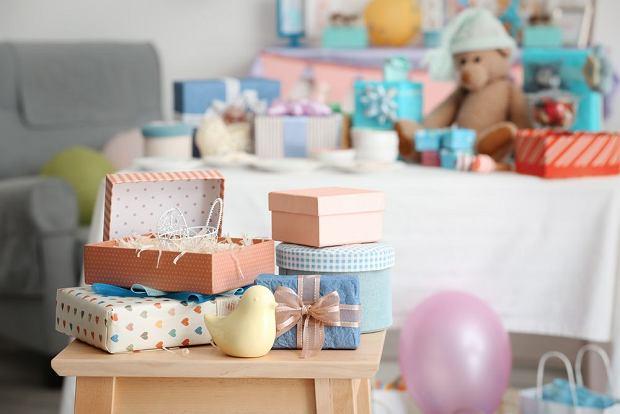 Prezent dla niemowlaka: co kupić na pierwsze odwiedziny?