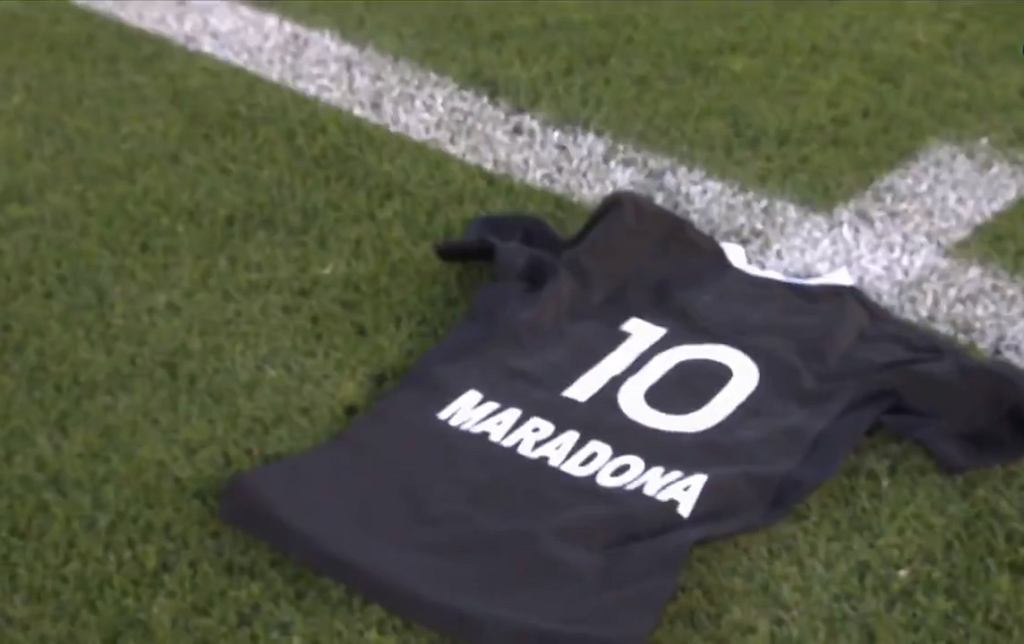 Koszulka Diego Maradony przygotowana przez rugbystów Nowej Zelandii