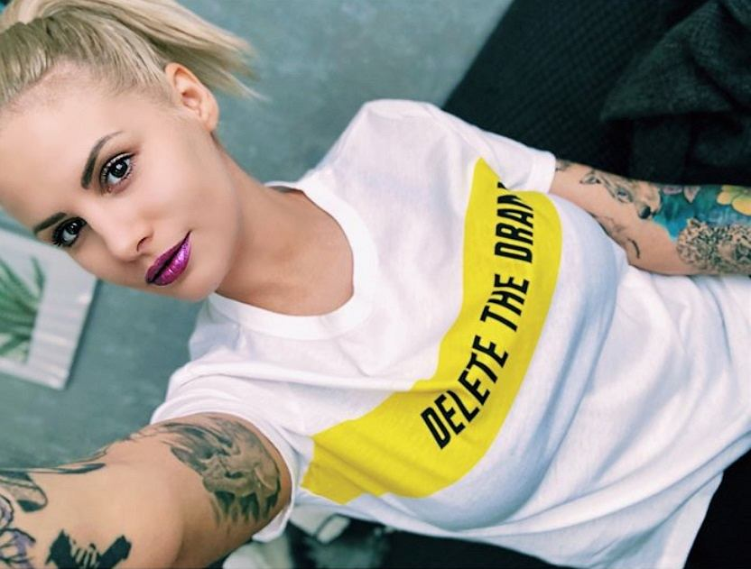 T-shirt Delete Drama