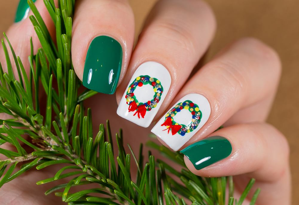 Paznokcie świąteczne muszą być wyjątkowe. Zdjęcie ilustracyjne