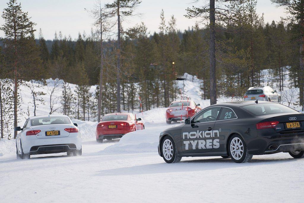 Zimowy konwój Audi RS5 na oponach Nokiana