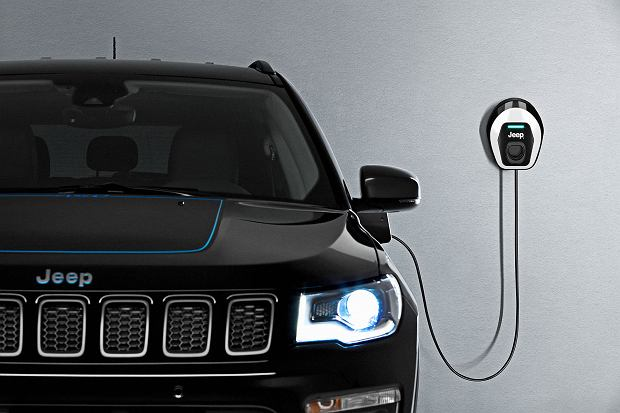 Jeep Renegade 4Xe i Compass 4Xe First Edition