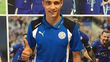 Bartosz Kapustka w koszulce Leicester City