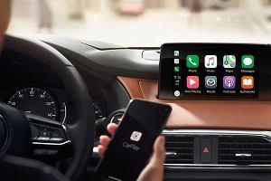 Android Auto czy Apple CarPlay? Który system jest lepszy?