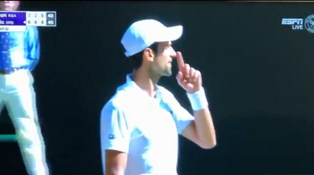 Novak Djoković w trakcie finału Wimbledonu