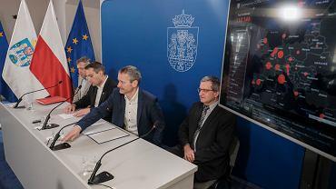 Konferencja w sprawie profilaktyki miasta w związku z możliwością wystąpienia epidemii koronowirusa w Poznaniu