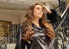 Jak naturalnie zakręcić włosy? Heatless Hair to imponujące loki bez użycia ciepła