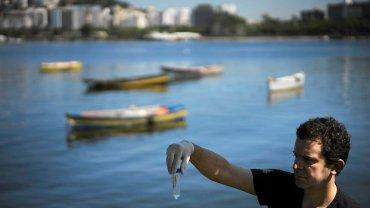 Fernando Spilki badał wodę w Rio de Janeiro dla agencji AP