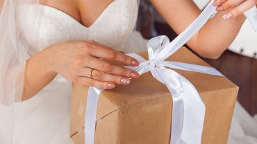Prezent na ślub musi sprawić radość. Zdjęcie ilustracyjne