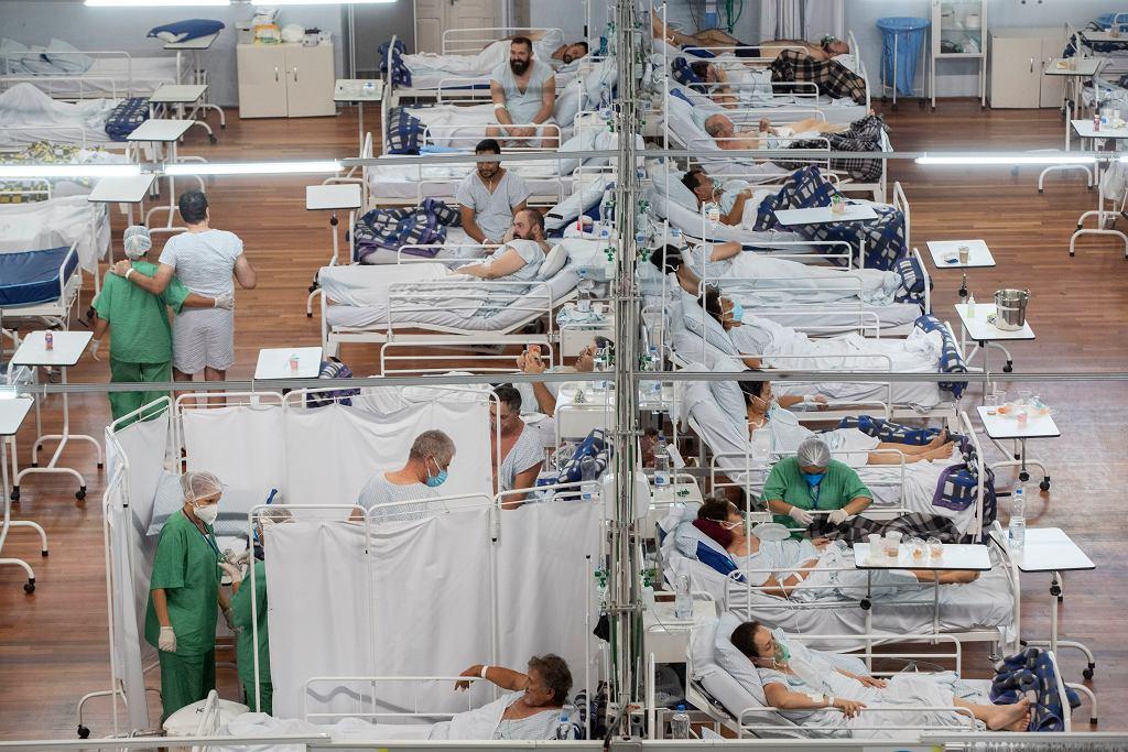 Pandemia koronawirusa. Szpital covidowy na stadionie Santo Andro w Sao Paulo, Brazylia, 4 marca 2021