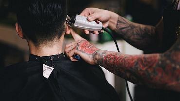 Rząd ogłosił nowe obostrzenia. Co z fryzjerami?