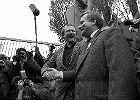 """Jak wyglądała kampania wyborcza w 1989 roku? """"Andrzej Wajda wpadł na genialny pomysł"""""""