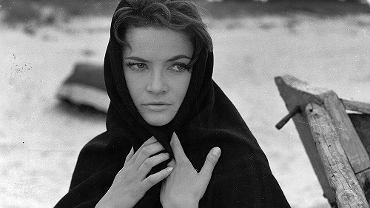 Teresa Iżewska, kadr z filmu Nafta'