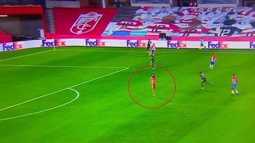 Nagi mężczyzna przerwał mecz Granada - Manchester United