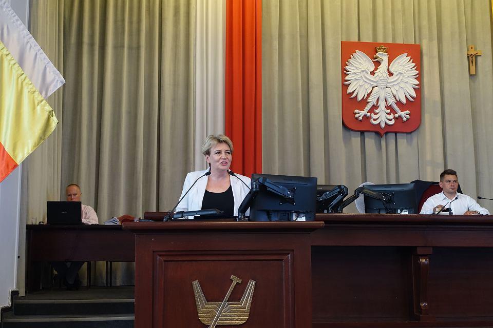 Prezydent Łodzi Hanna Zdanowska podczas sesji rady miasta